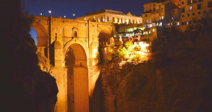 Guided night walk in Ronda, Spain